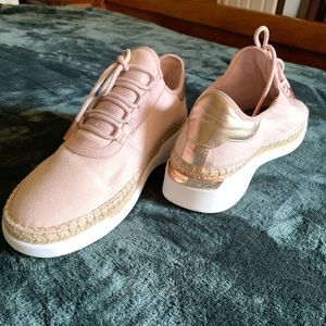 Brand new NEVER worn Michael Kors sneakers!